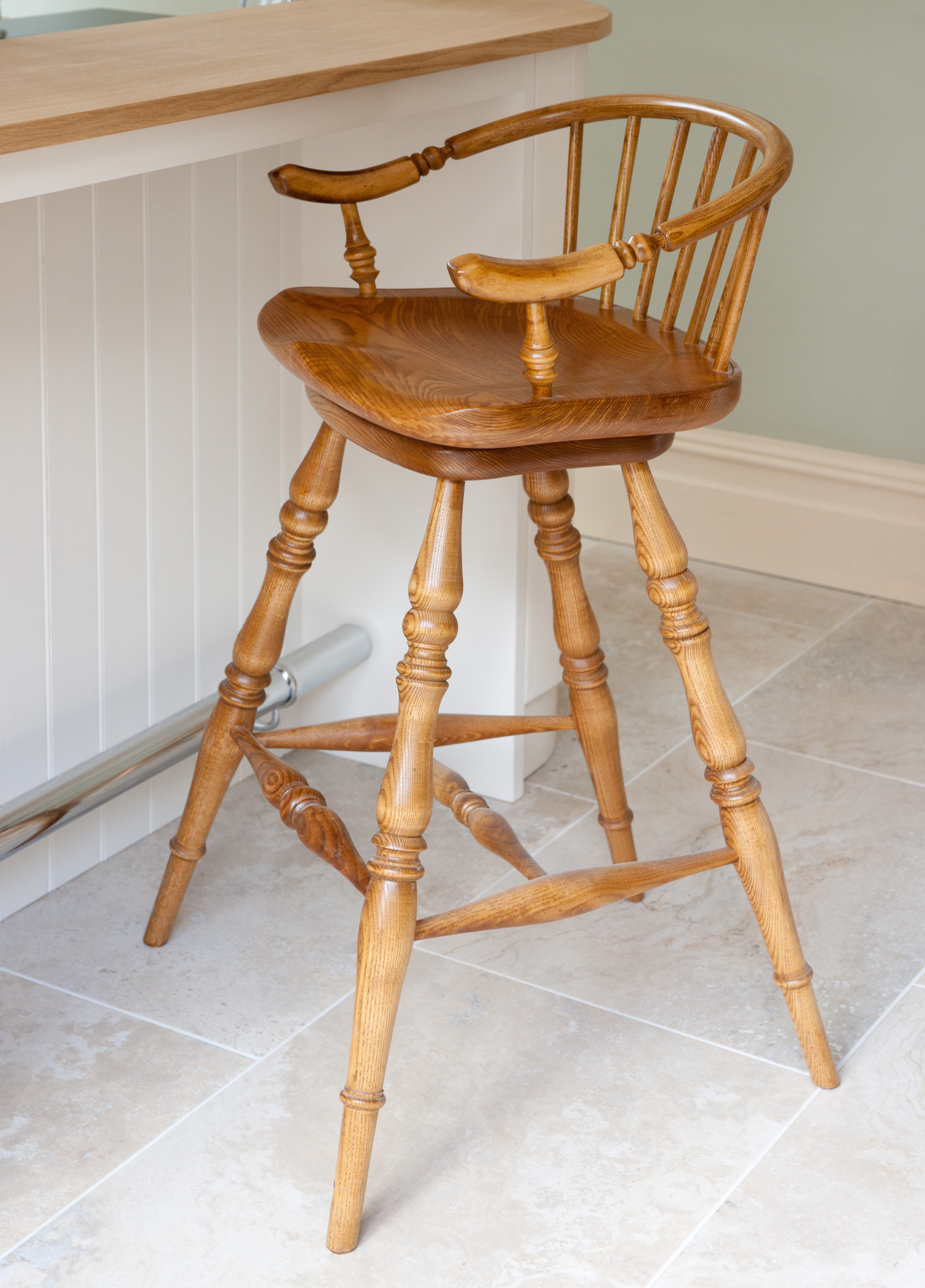 Traditional Swivel Seat Barstool in Solid Ash
